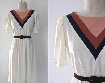 Vintage 1980's day dress V COLOR BLOCKED neck short sleeved - S/M