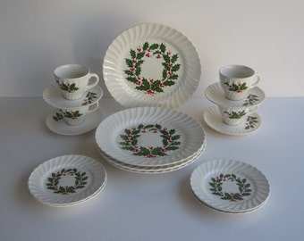 Holly- Holiday Dinnerware for 4 Dining Guests,  Scio Pottery,Japan -- 1950 - In Original Box