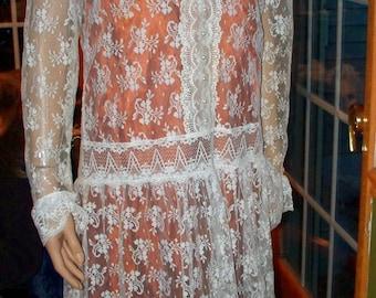 Lace Gunne Sax Style  dress ~  Champagne Ivory Floral Lace ~ Womens Vintage Dress