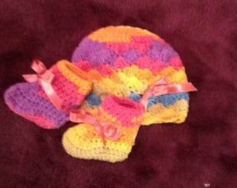 Rainbow of colors Cap And Bootie Set