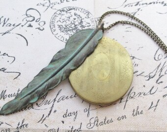 Large Feather Locket Necklace, Long Feather Necklace, Oval Photo Locket Necklace With Large Feather, Vintage Style Locket, Feather Jewelry
