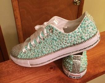 Womens mint green pearl w/ rhinestones sz 4-11