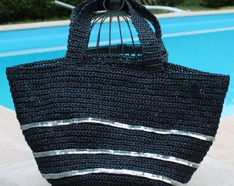 Round silver glitter and black in raffia tote bag