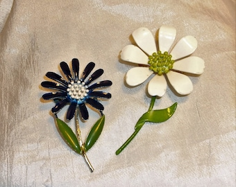 2 Vintage Daisy Brooches~ Metal Tin Pins ~ 1950's-60's ~Blue and White Flowers~ Very Good Condition ~ Retro ~ Art Deco