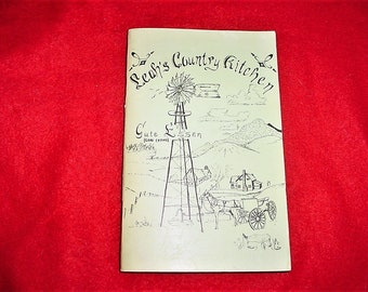 Vintage 70s Leah's Country Kitchen Recipes Cookbook Pamphlet