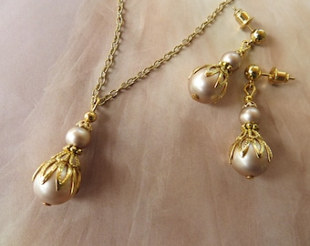 GOLD JEWELRY SET Pearl Earrings Gold Pearl Necklace Pendant Wedding Dress Mothers Day Gift for mum Bridal Earrings Jewellery Stud Earrings