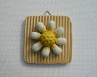 Ceramic label with daisy-wall tile-Daisy Hang-ceramic-label Daisy Gift Friend colleague