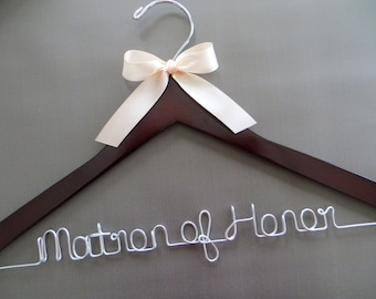 MATRON OF HONOR Hanger, Maid of Honor Hanger, Personalized Wedding Hanger with Bow, Bridal Hanger, Bridesmaid Gift Idea, Bridal Party Gift