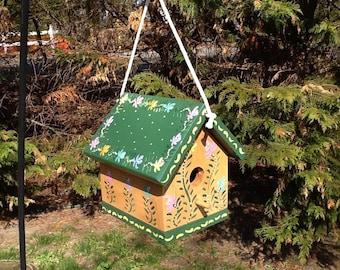 Functional decorative birdhouse