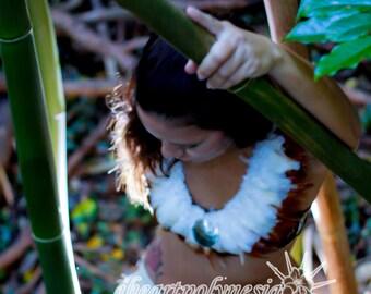 Simple Tahitian dance costume feather neck piece