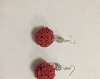 bouquet of roses, earrings red rose