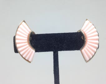 Vintage Estate Pink Thermoset Grooved Gorgeous Clip On Earrings Christmas Present - Holiday Gift