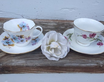 Vintage Tea Cups / Set of 2 Cups / Tea Cups / Home and Garden Decor / Vintage Decor