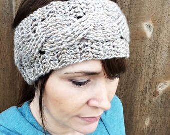 Cabled Earwarmer in Taupe