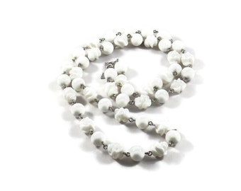 Sarah Coventry White Lucite Bead Necklace, Sarah Coventry Necklace, Sarah Coventry Jewelry, White Beaded Necklace, Lucite Jewelry