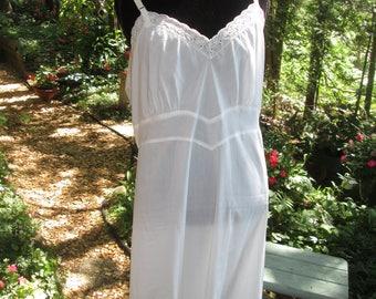 Vintage Barbizon white sleeping gown or slip. Plus size 40 Barbizon cotton poly sleeping gown or slip.