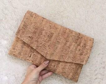 Cork clutch bag / envelope clutch / cork purse / cork bag / vegan clutch / vegan handbag / vegan bag women / letter bag / minimalist clutch