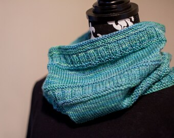 PDF Knitting Pattern - Hunter Cowl