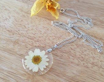 Mini Daisy Necklace, Real Daisy Necklace, Flower Necklace, Resin Daisy Necklace, Real Daisy Flower, Tiny Daisy Charm, Flowers Jewelry