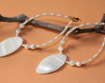 """5"""" L ,  Mother of Pearl Shell Spear, dangling earrings"""