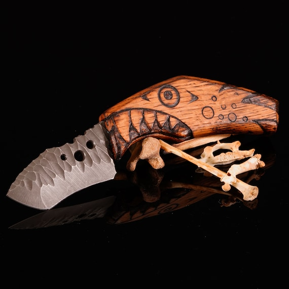 Swift Knife with Carved Oak Handle