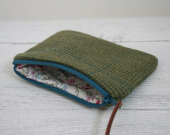 Tweed zipped coin purse in green with floral lining