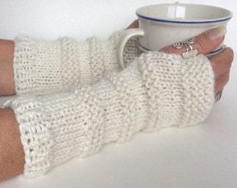 White Fingerless Gloves, Knit Wristwarmers, Knit Texting Gloves, Off White Knit Gloves, White Wrist Warmers, White Texting Gloves