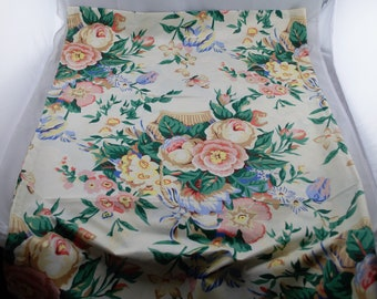 White Back Ground Rectangular Tablecloth w/ Pink, Yellow, & Blue Flower Bouquets