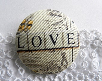 Fabric Button, Love, 0.86 in / 22 mm