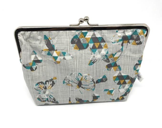 Metal frame kiss lock purse Butterflies