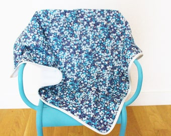 Blanket Liberty Wiltshire blueberry and white fleece fabric - ON ORDER