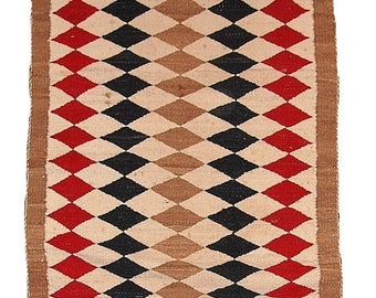 2.5' x 5.10' ( 76cm x 183cm) hand made antique American-Indian Navajo rug 1920