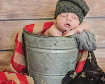 Newborn photo prop, newborn hat, newborn boy, newborn girl, knit newborn hat, newborn props, newborn slouchy beanie. Choose your own colors