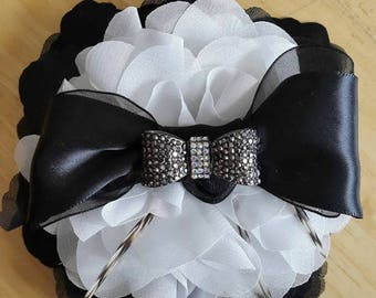 Multiple Pictures of Corsage sets