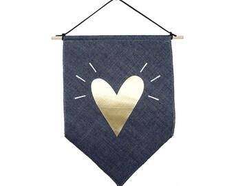 Goldenes Herz kleine Jeans-Stoff Banner Flagge Gold Wand Flagge inspirierende Flagge skandinavisches Design Liebe Gestaltung