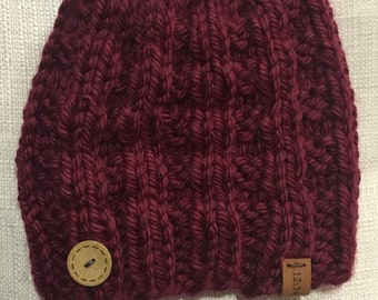 Magenta knit hat with side button
