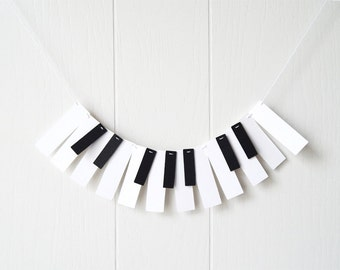 Piano Ornament / Mini Piano Wall Decor / Music Garland / Mini Music Bunting / Keyboard Bunting / Photo Prop