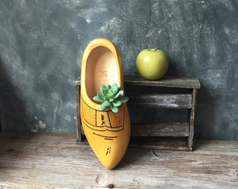 Wooden Shoe | Large Vintage Wooden Shoe | Carved Handpainted Wooden Clog | Wall Shoe | Dutch Home Decor | Holland Souvenir | Wallhanging