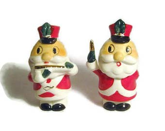 Vintage Christmas Santa Claus Toy Soldier Marching Band Flute Parade Marshal porcelain figurine Napco Salt & Pepper Shakers Japan
