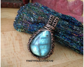 Labradorite pendant in antiqued copper