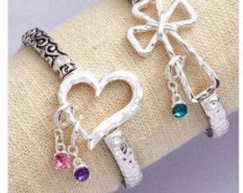 Heart stretch charm bracelet