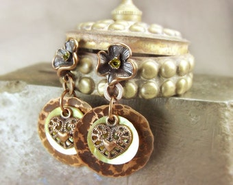 Copper earrings studs with nacre and heart.