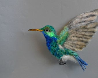 Needle Felted  Animals. Felted bird.  Green violetear  hummingbird.