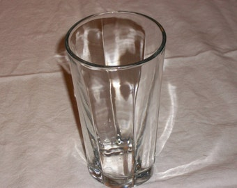 Set of 18 glassware/tumblers 11 large glasses and 7 smaller glasses