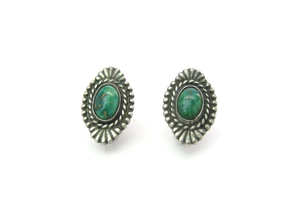 Vintage Radiant Sterling Silver Navajo Style Turquoise Earrings