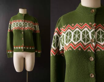 vintage 1960s sweater / 60s green intarsia cardigan / small