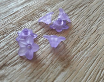 Set of about 53 small frosted plastic flowers, purple * clearance *.