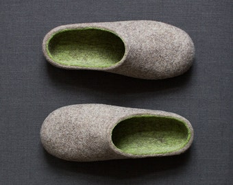 Men's slippers   7th anniversary gift   Winter wool shoes with soles   Rustic felted slippers   Natural beige green woolen clogs