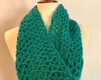 Beautiful Teal Cowl | Winter Fashion Accessories | Crocheted