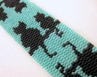 Cats Peyote Bracelet /  Beaded Bracelet an Black and Turquoise / Seed Bead bracelet / Halloween Bracelet / Black Cats Bracelet / Delica